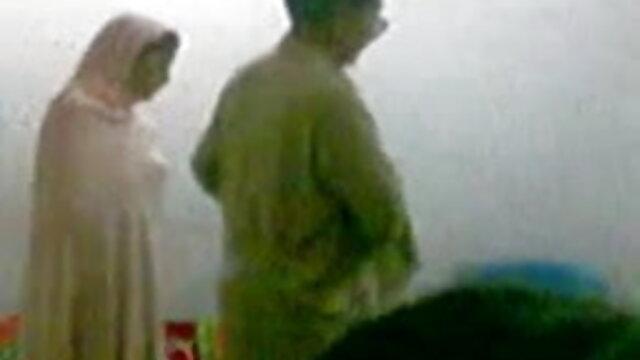 ম্যান পরা চশমা, বাংলা xxx sex হাফপ্যান্ট, হাফপ্যান্ট সঙ্গে একটি পরিপক্ক মহিলার