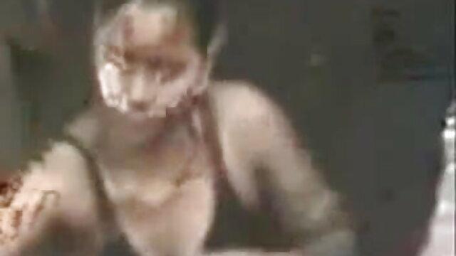 লম্বা মেয়ে এবং বাংলা xxx video com বাদামী চুল ঢালাই একটি ভূমিকা পালন
