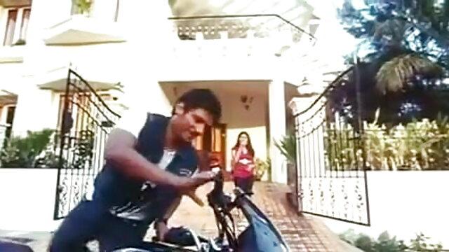আমি বাংলা xxx video com বাথরুম দাঁড়িয়ে গরম প্রেস পা অনেক সঙ্গে নিজেকে বর্ণনা