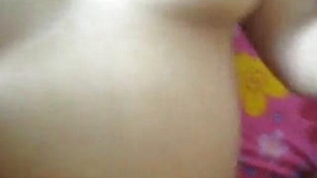 ভাইয়েরা তার মাকে ধর্ষণ করে সাহায্য করে অ্যাপার্টম্যান্ট পরিষ্কার xxx বাংলা xxx