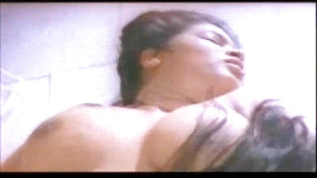 টিভি আলো অধীনে বাংলা xxx sex কব্জি সঙ্গে