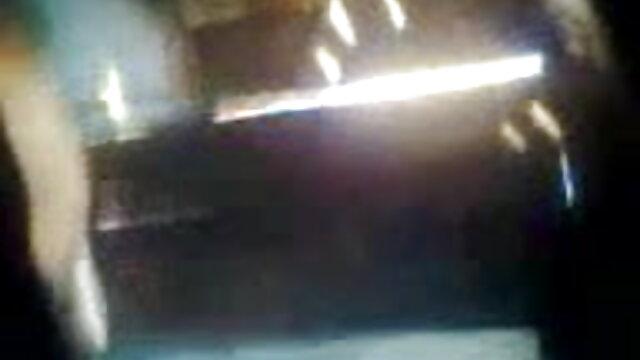 চশমা একটি সন্ধানী মানুষ বাংলা xxx 3 টেবিলের উপর চাকা ফিরে গর্ত পরীক্ষা