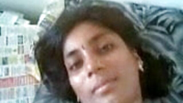 জিহ্বা আমার মুখ ও মুখে শেষ পর্যন্ত বাংলাxxx video পরে