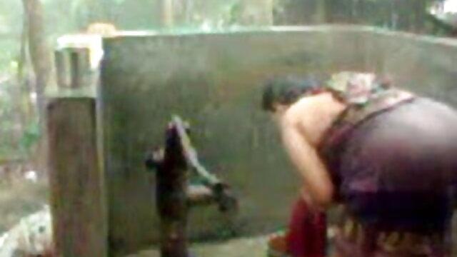 গাড়ি গর্ত বাংলা xxx hd (2004)