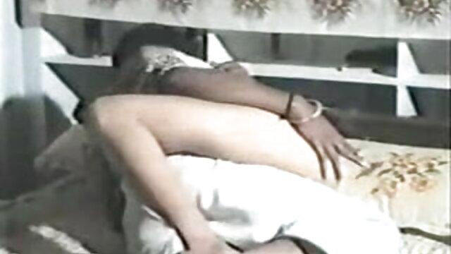 মিনিট এবং মুখের মধ্যে একটি অর্ধ তথা বাংলা xxx sex