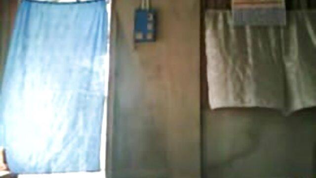 আমি পালঙ্ক উপর একটি আর্মেনিয়ান পাওয়া গেছে এবং মানুষ, যারা স্তন্যপান ছিল বাংলাxxx hd