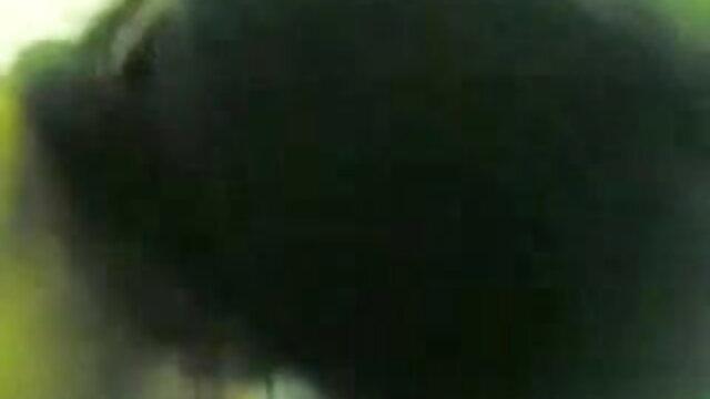 তিনে মিলে, দ্বৈত মেয়ে বাংলা xxx www ও এক পুরুষ