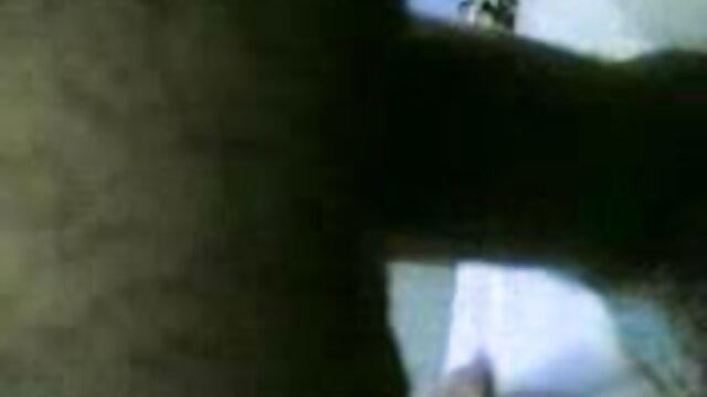 লাল দৈত্য বাংলা xxx নতুন ডিনার জন্য তার দয়িত বন্ধু ফিড