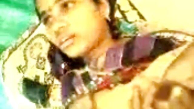 তিনি তার বিড়ালের সঙ্গে যৌনসঙ্গম, তাকে বুকে ম্যাসেজ এবং বাংলা xxx videos ফিরে দিয়েছেন, একটি সাংস্কৃতিক খাবার খেয়ে ফেলতাম, রাস্তায় বন্ধ সন্তানের গ্রহণ